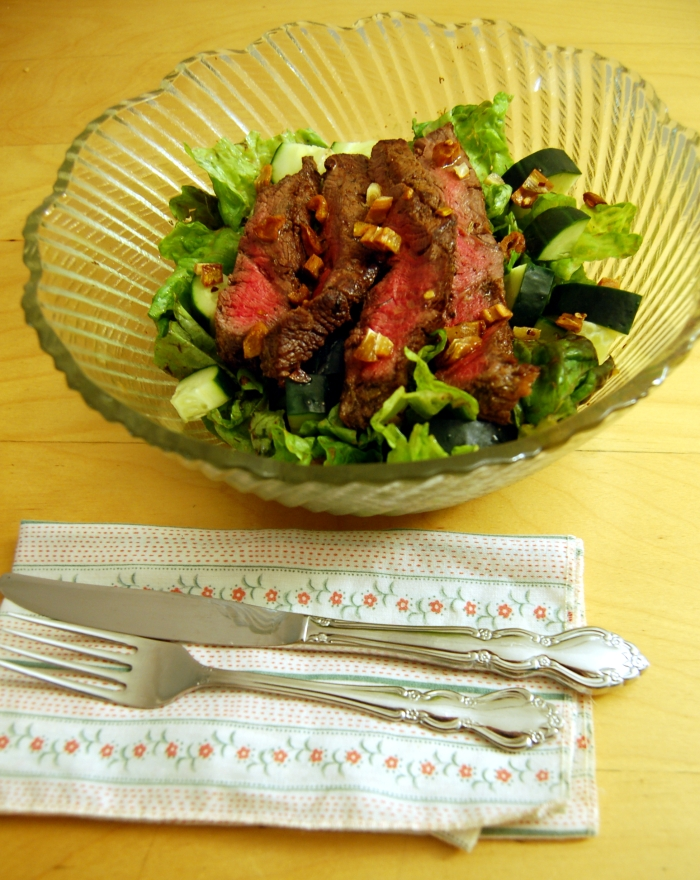 Steak Salad with Caramelized Garlic2